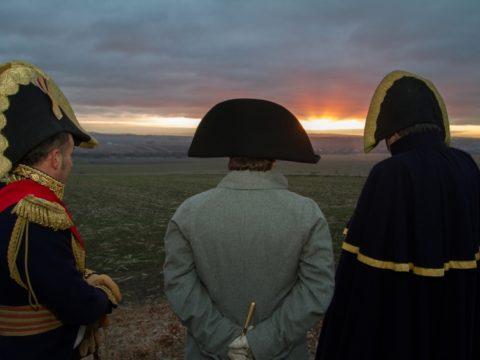 Slavkovské slunce, přehlídka francouzských jednotek na Žuráni