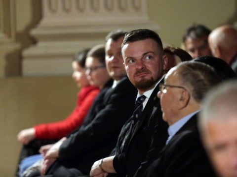 Čtvrtek 28. 11. ve Slavkově: Bohoslužba v chrámu a koncert Václava Hudečka